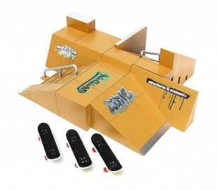 4485 Playset mini skate park con mini monopatín plegable incluido