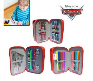 Estuche escolar de 38 piezas con motivo de RAYO MCQUEEN DE CARS incluye rotuladores lápices de colores y diferentes accesorios