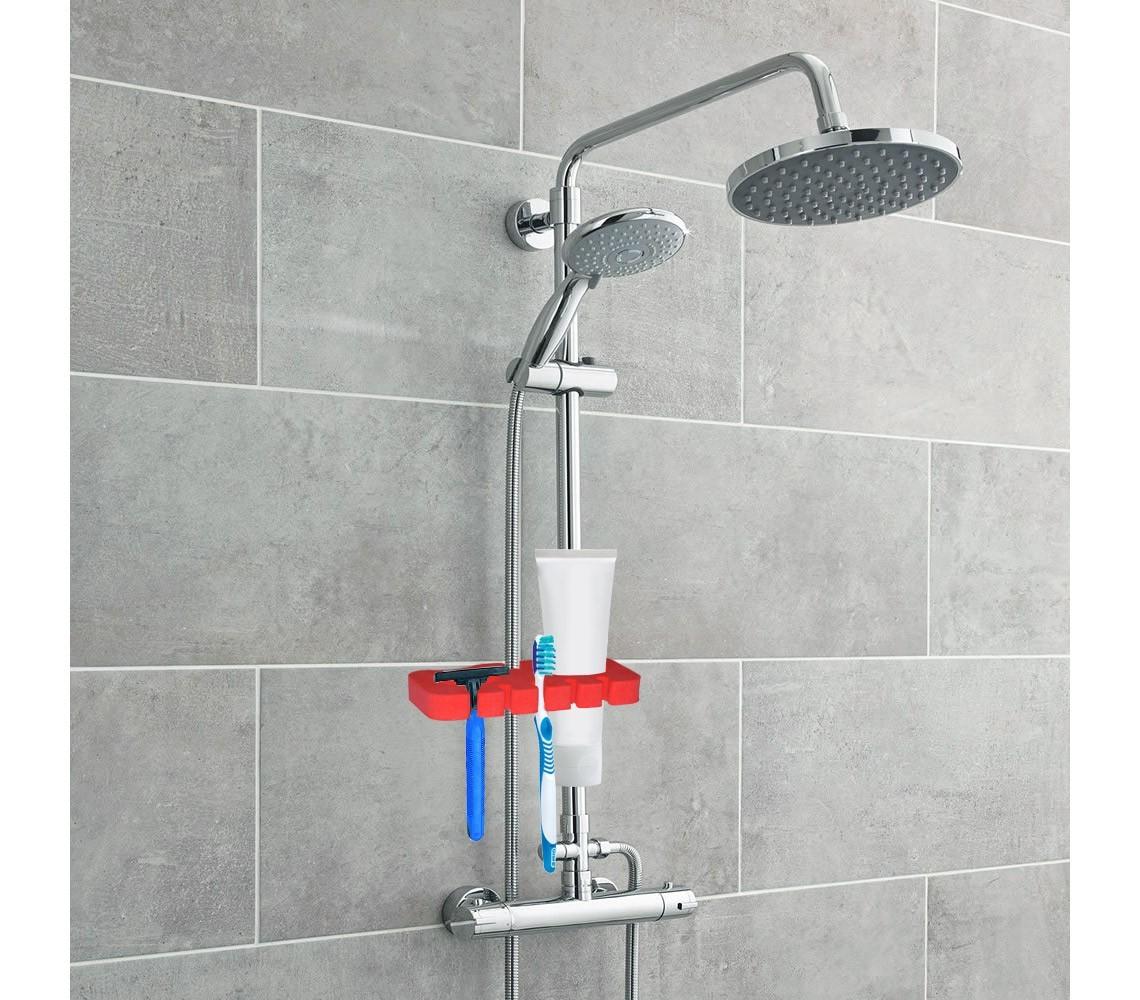 Mientras tomaba una ducha mi padrastro entra al bantildeo y me folla duro me encanto el final como se corrio en mi - 1 10